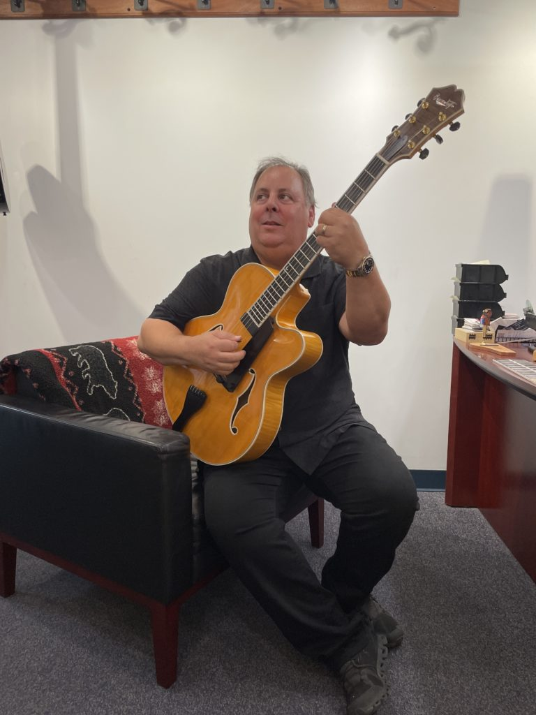 howard paul benedetto guitars tour perry lane hotel