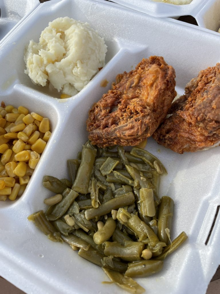 sisters of the new south best places to eat savannah georgia fried chicken