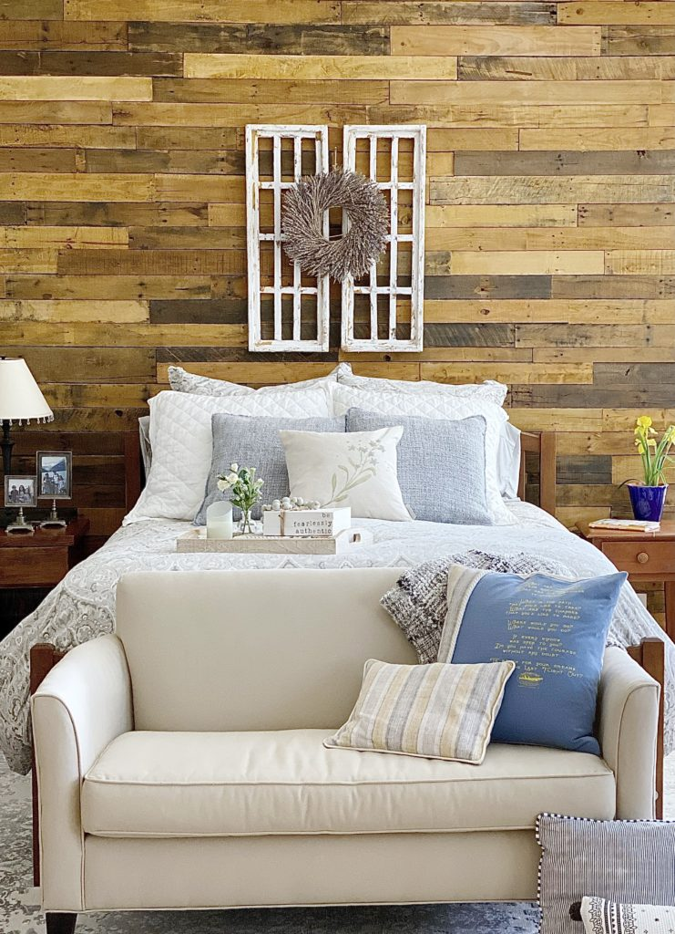 simple and helpful ideas for a bedroom refresh bedroom update bedroom inspiration pallet wall  accent wall