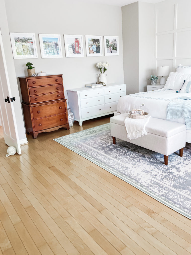 how to make a gallery wall sherwin williams accessible beige bedroom wall decor ideas plan a gallery wall